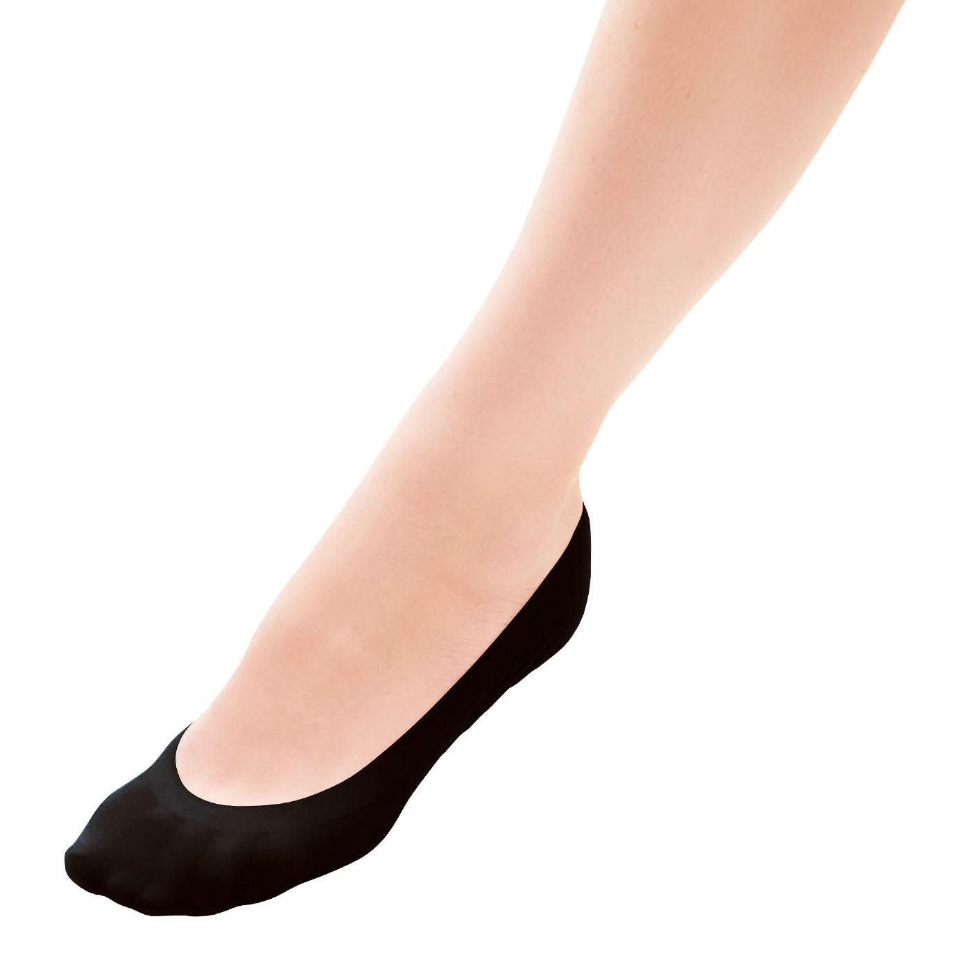 伸縮性のある生地で足にぴったりフィット!