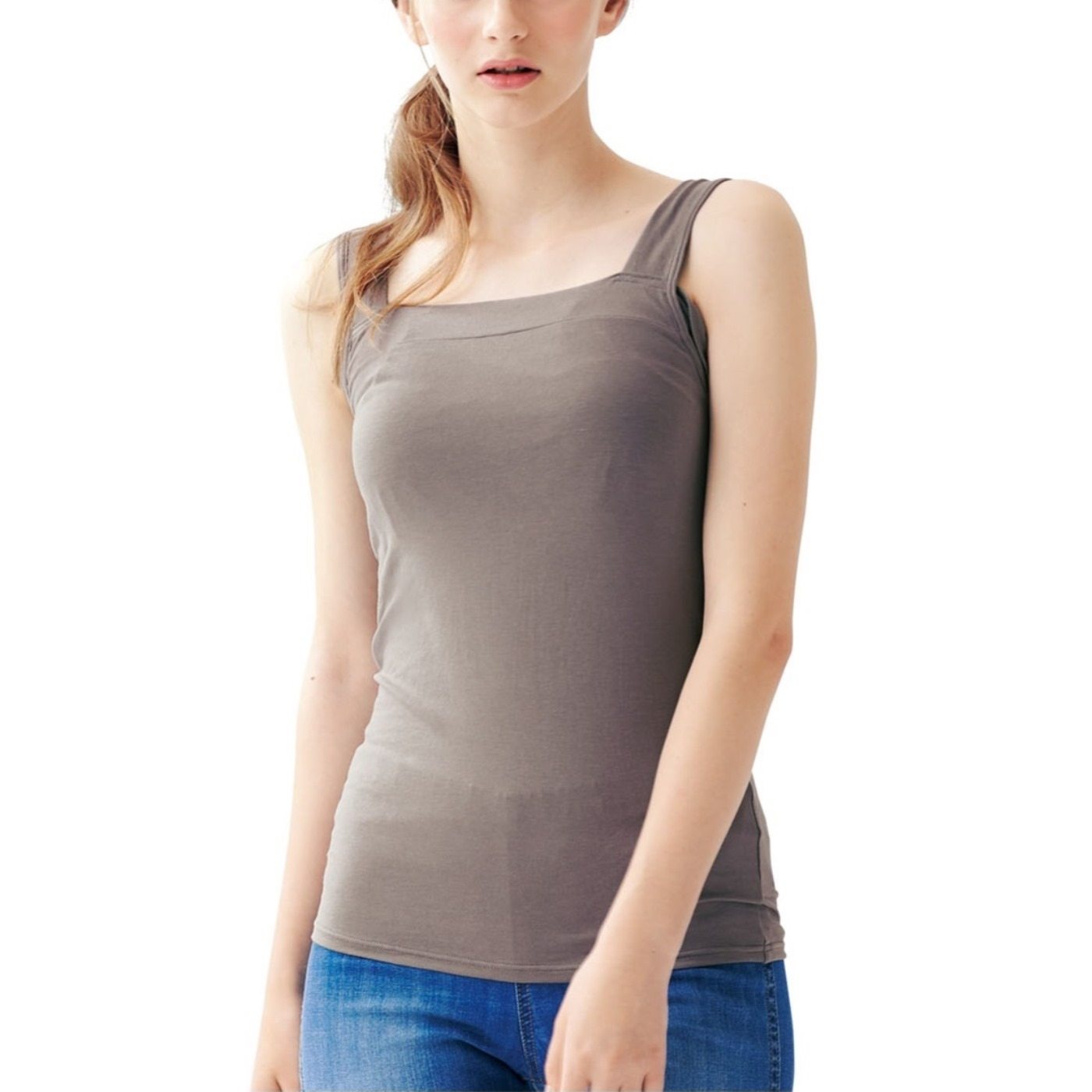 見た目はいたって普通のインナーです。わき高設計で、袖口の広い服も安心!