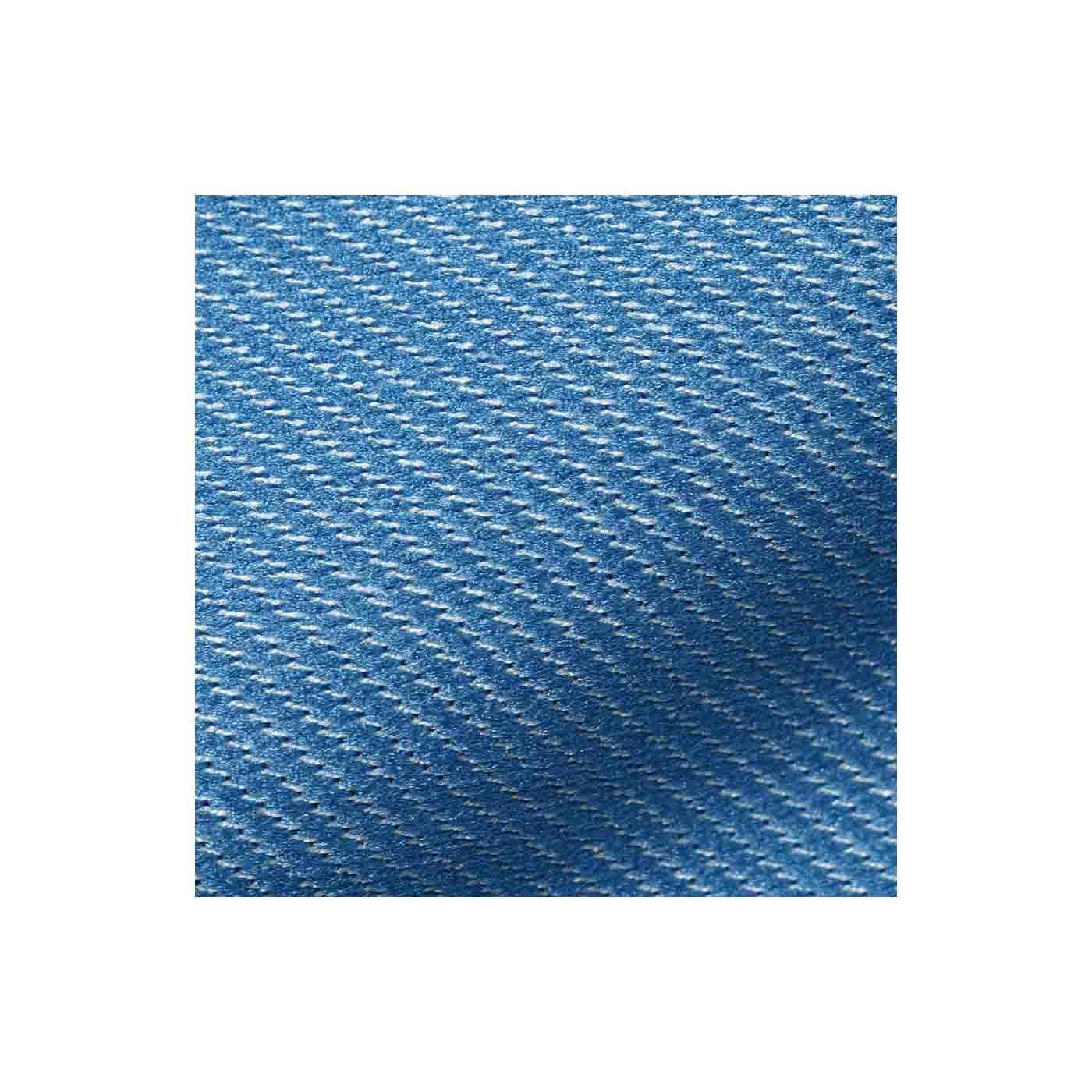 お手持ちのトップスとも合わせやすいデニム調の水着素材。