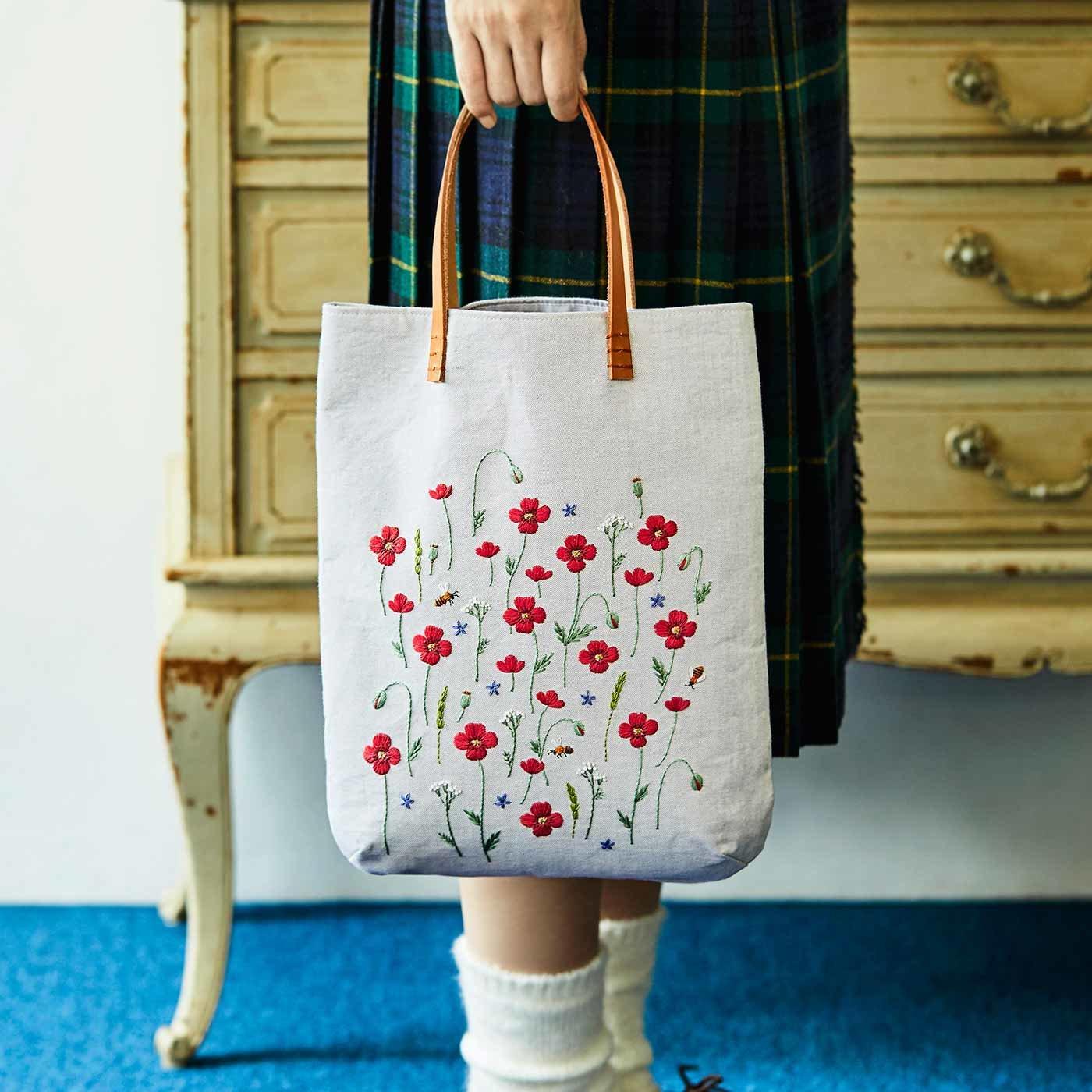 あこがれのガーデンを描く 青木 和子さんの贅沢刺しゅうバッグの会