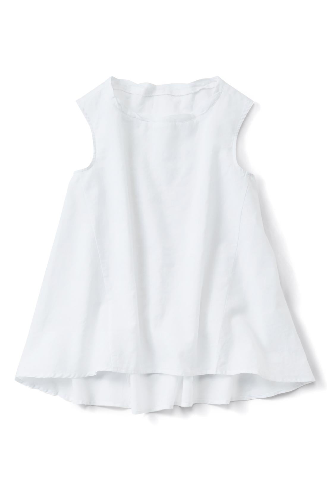 【ホワイト】Aラインで体形カバー力バツグンです。かろやかな薄手の麻混生地。透け感がさわやか。