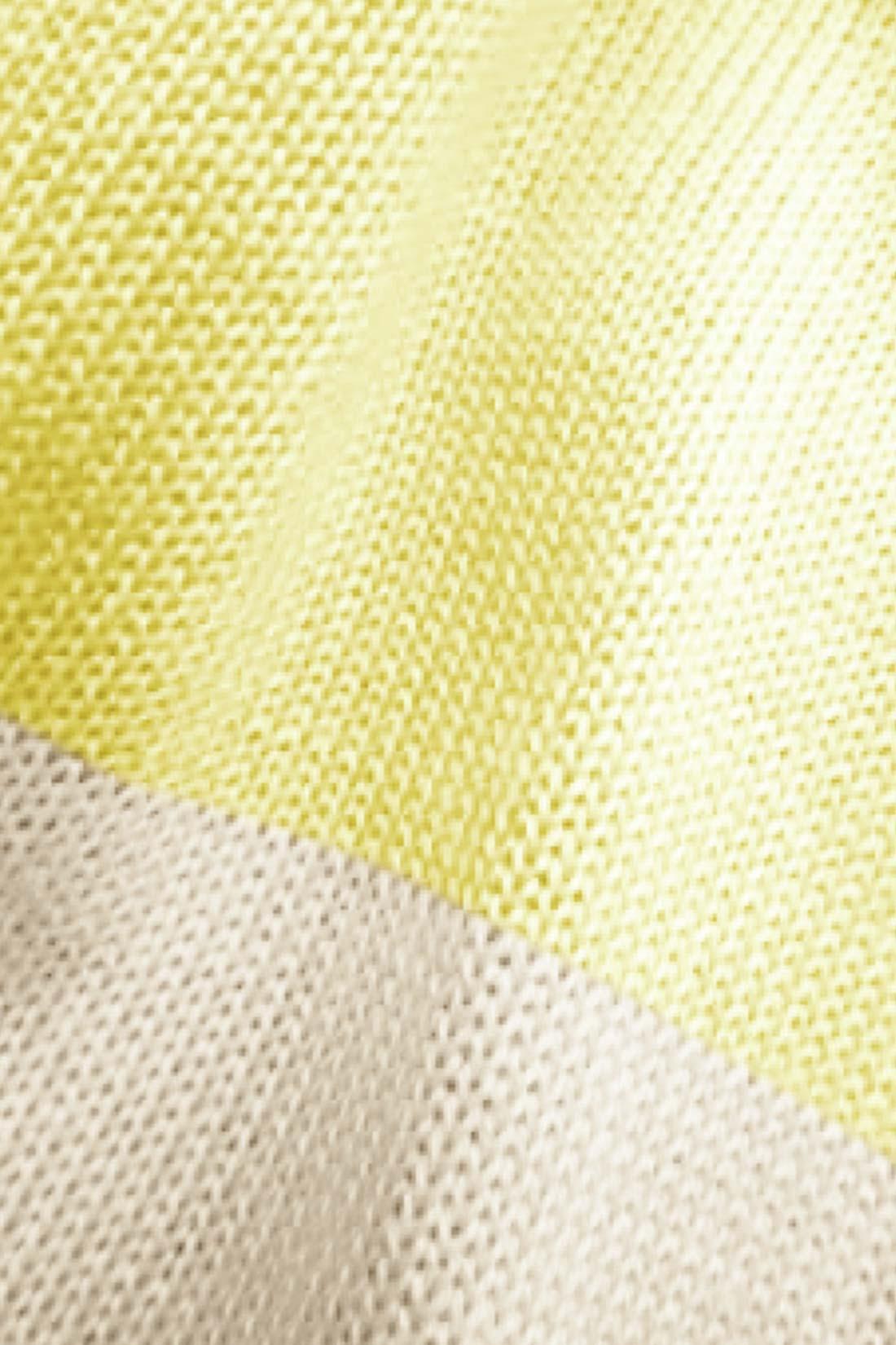 ■軽やかニット。 薄手のニットだからさらさら。裏地がひざのところまで付いているから、透け感も気にならないよ。 ※お届けするカラーとは異なります。