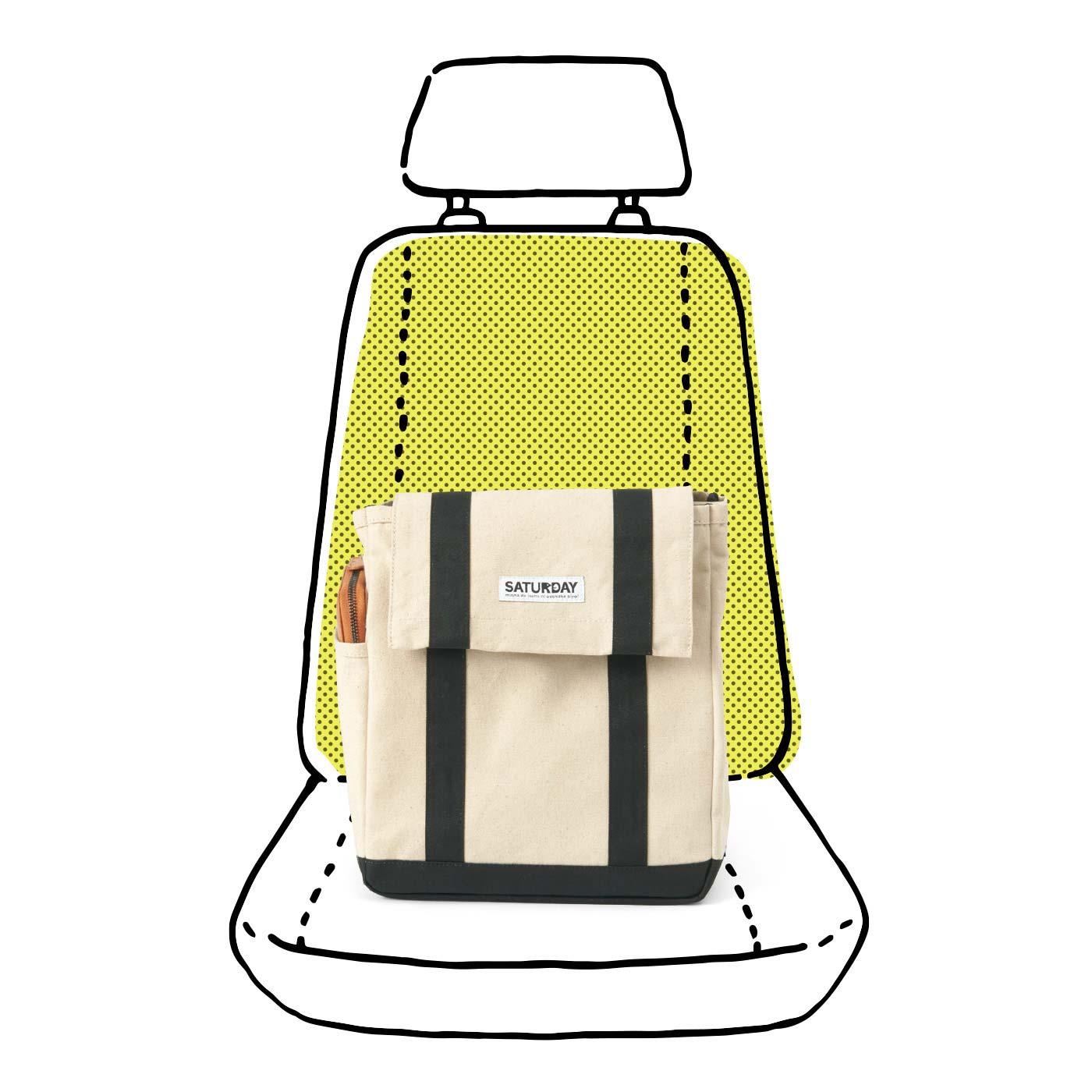 助手席にポン! 自立するから、座面にバッグを置いたまま中身が取り出しやすくて便利♪