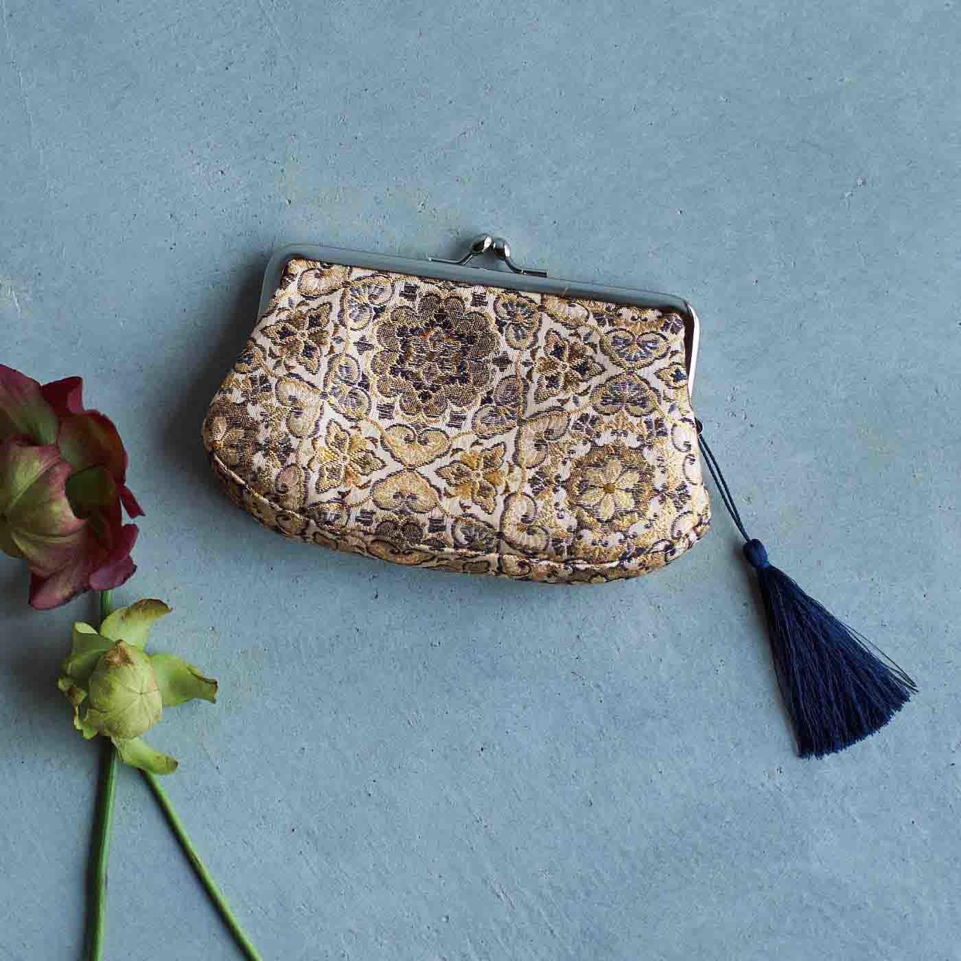 el:ment 京都の織屋さんで仕立てた 優雅なシルク糸遣いの京織(R)じゃばらがま口財布〈六角花柄〉