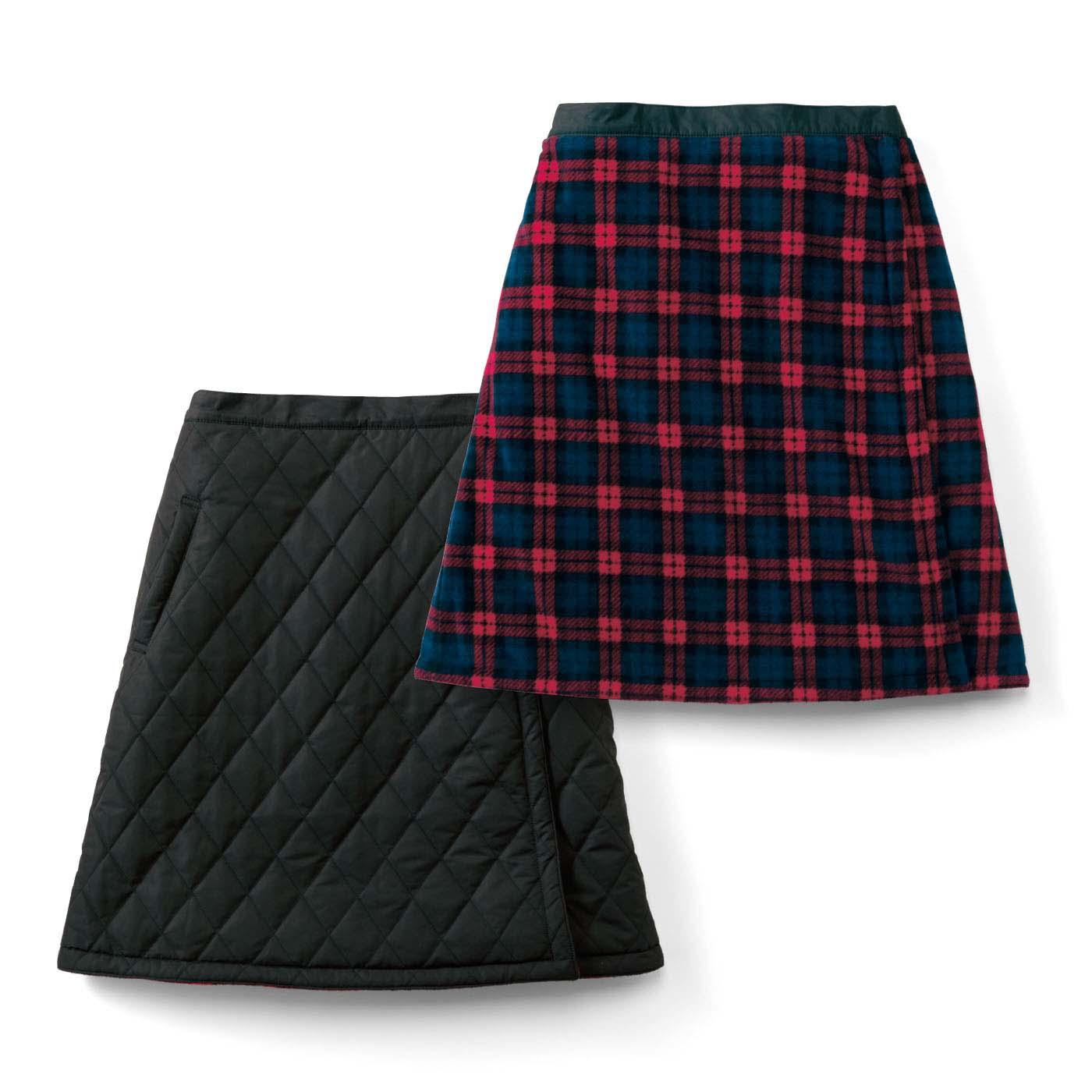 フェリシモ リブ イン コンフォート キルティング&フリースの リバーシブル巻きスカート〈ブラックxレッドチェック〉