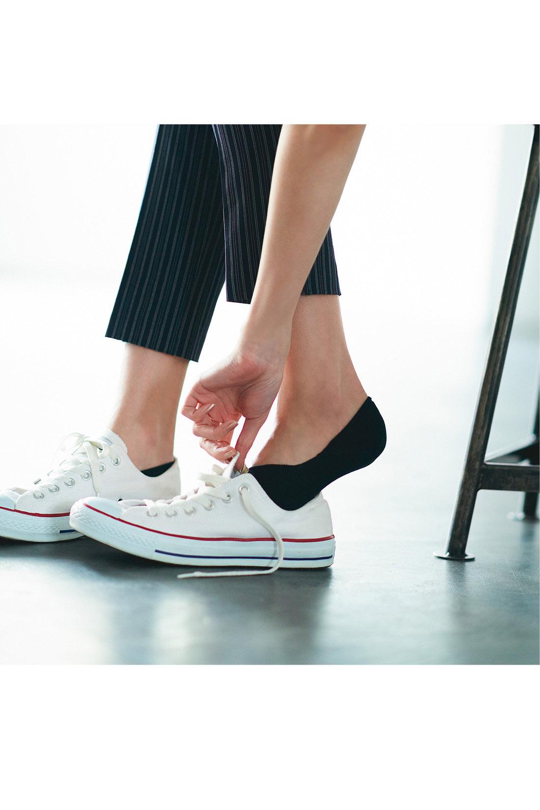 きれいめコーデのハズしに! 抜け感を生む軽やかな足もとの必需品。 ※着用イメージです。お届けするカラーとは異なります。