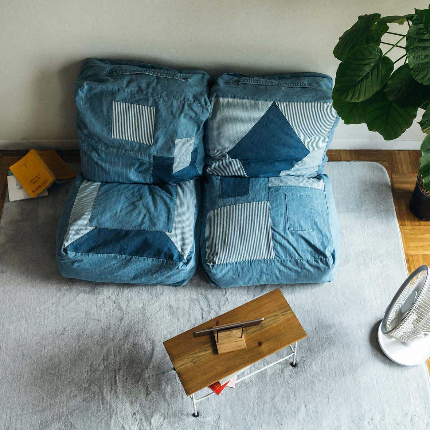古着屋さんで見つけたような ユーズド加工のくたくた収納デニムザブトンの会