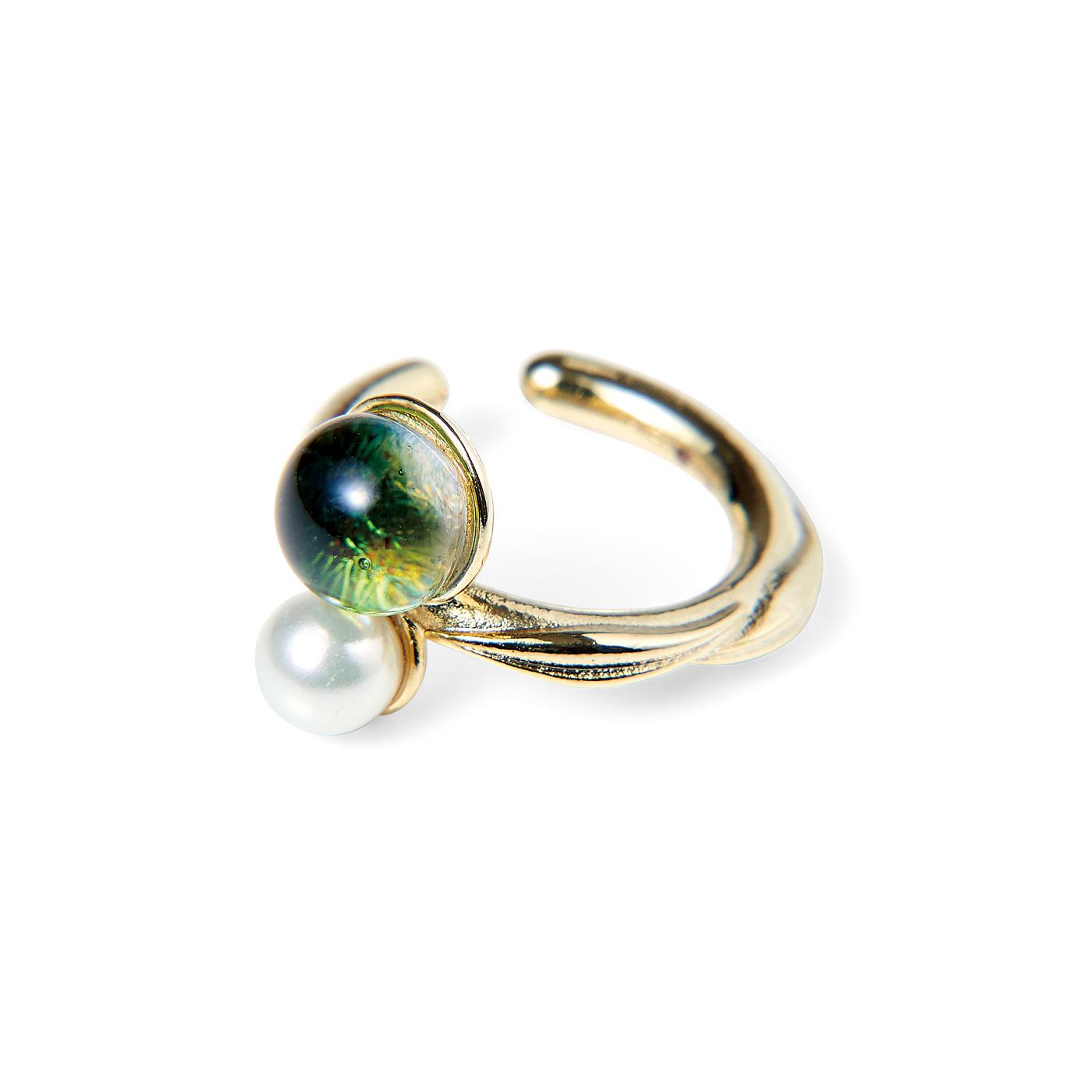CCP [シーシーピー]|きらめく粒の手づくりガラスとパールの自然モチーフイヤカフ〈片耳〉の会|〈葉〉