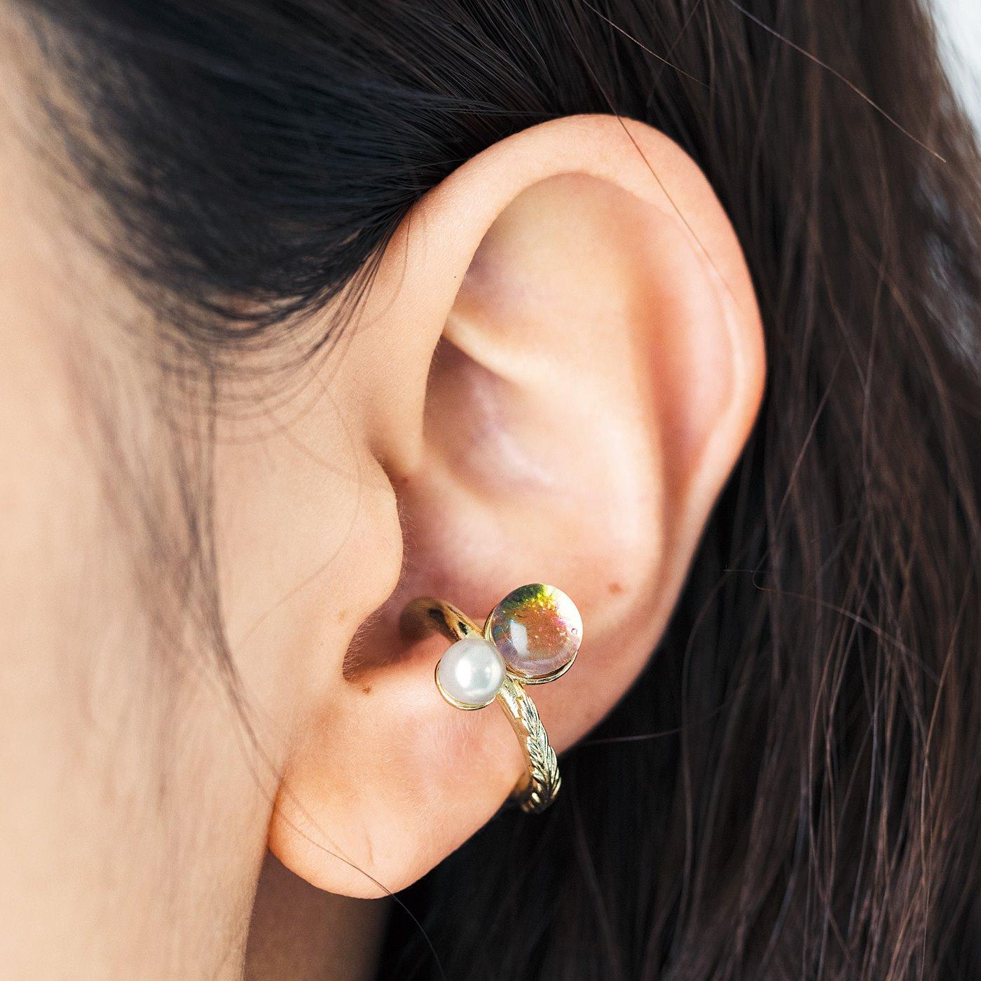 CCP [シーシーピー]|きらめく粒の手づくりガラスとパールの自然モチーフイヤカフ〈片耳〉の会