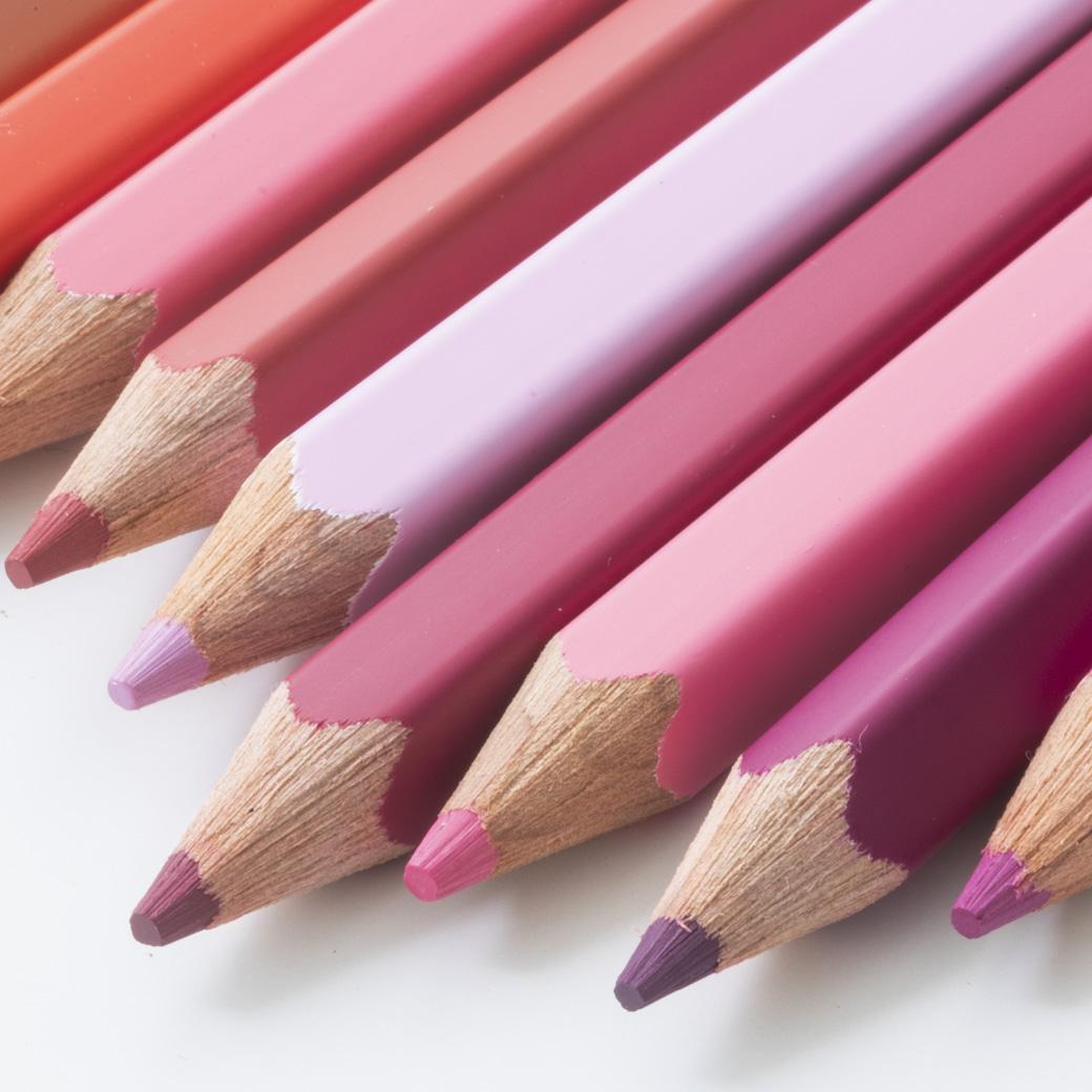 フェリシモコレクション|500色の色えんぴつ TOKYO SEEDS|芯は、日本唯一といわれる山梨県甲府市の色芯工場で。木製ボディーは東京の葛飾・荒川で伝統ある町工場や職人さんたちの知恵と技術を結集しました。メイド・イン・ジャパンの誇れる品質です。