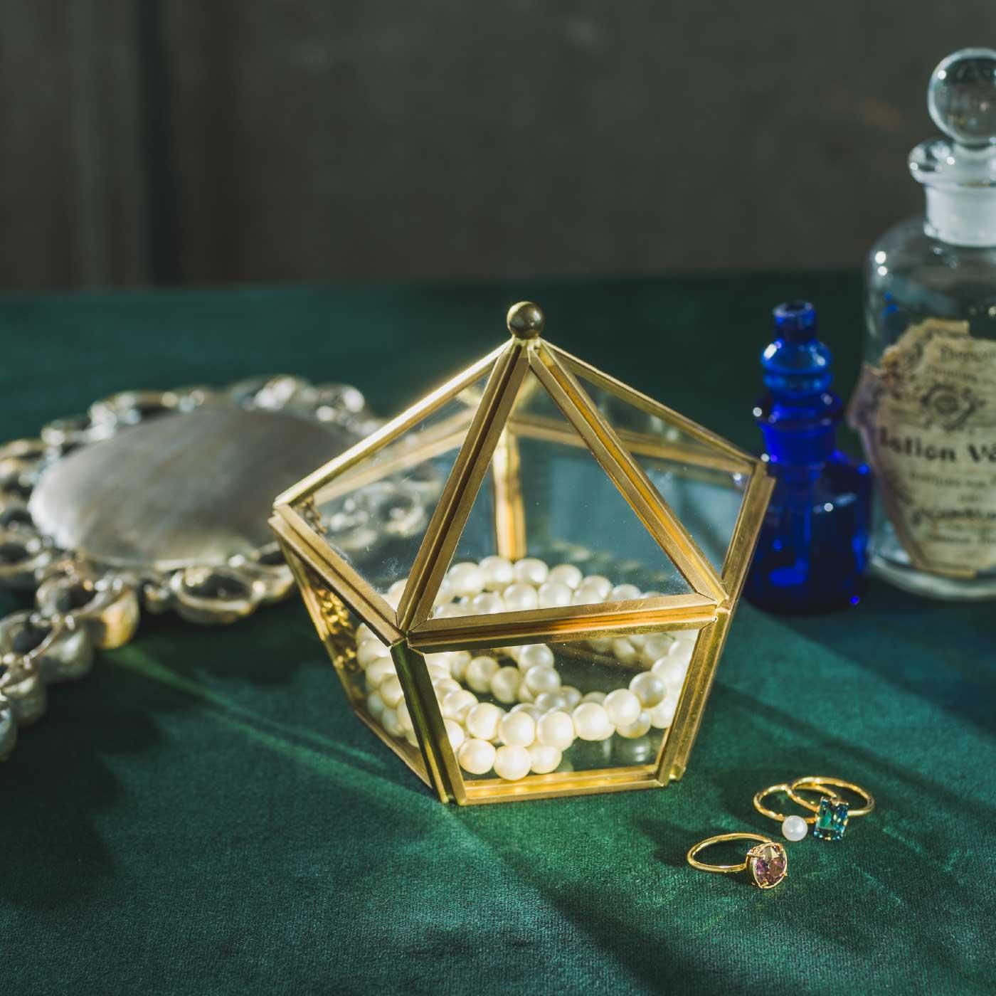 魔法部|魔法部ガラスの結界アクセサリーケース|ガラスで作った透明な結界。