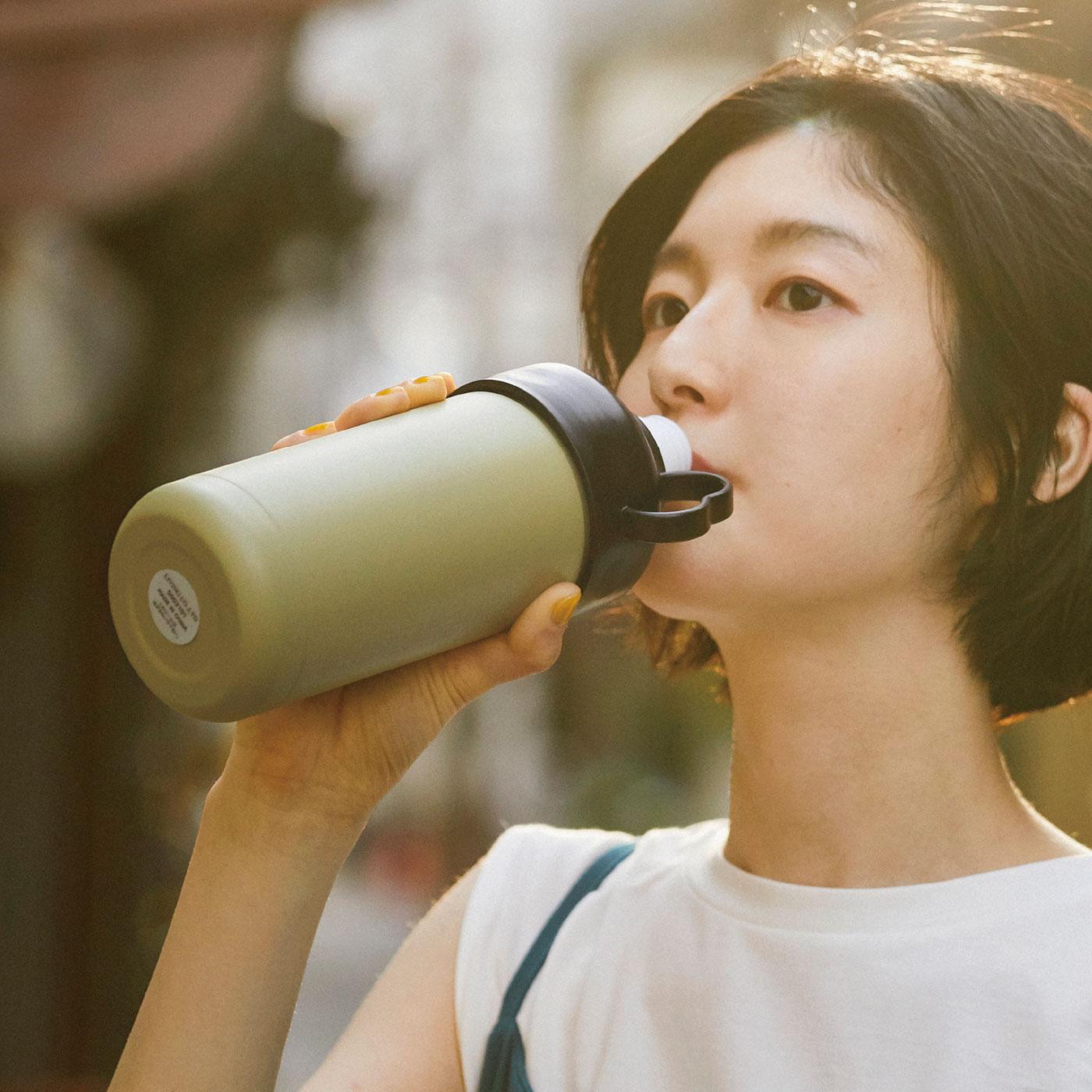 Kraso[クラソ] |まるごと入れてクールに持ち歩き ニュアンス色がかわいい ペットボトルクーラーの会