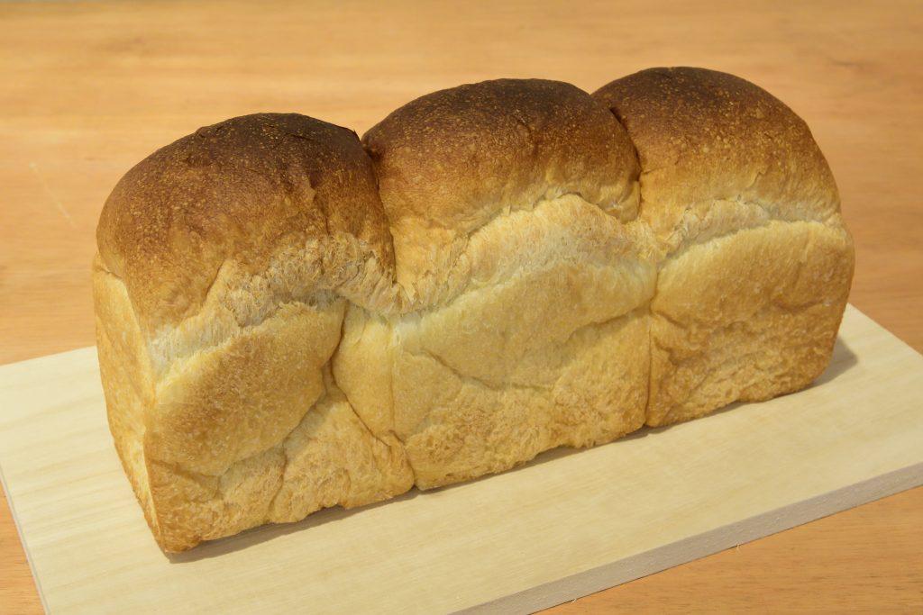 フロイン堂さんの食パン