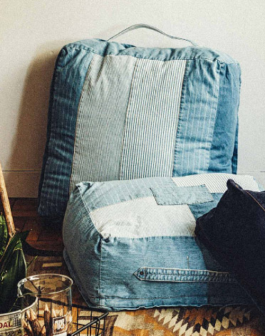 DENIM CUSHION 布団収納
